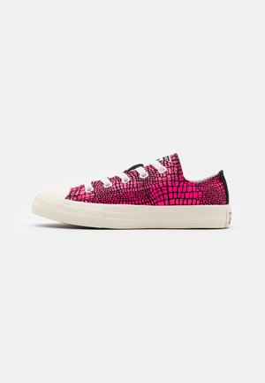 CHUCK TAYLOR ALL STAR DIGITAL WORDMARK - Trainers - hyper pink/black/egret