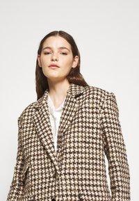 sandro - Short coat - marron/beige - 3