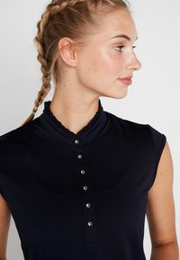 Daily Sports - SIBBIE - T-shirt con stampa - navy - 3