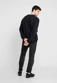 Mennace - REALITY  - Sweatshirt - black - 3
