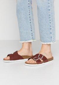 Vero Moda - VMMILLA  - Slippers - sable/silver - 0