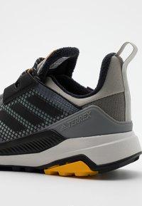 adidas Performance - TERREX TRAILMAKER WINTER.RDY  - Hikingschuh - metallic grey/core black/legend earth - 5