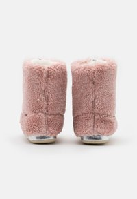 flip*flop - YETI  - Pantuflas - dirty rose - 3