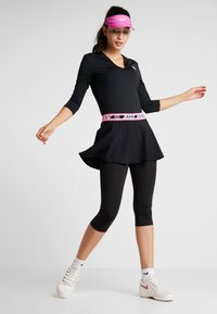 BIDI BADU - ARIANA TECH V NECK LONGSLEEVE - Long sleeved top - black - 1
