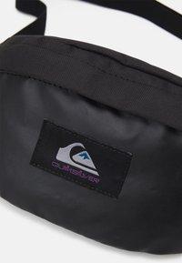 Quiksilver - PUBJUG UNISEX - Bum bag - true black - 3