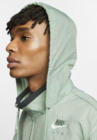Nike Sportswear - NSW NIKE AIR  - Outdoor jacket - silver pine/black/white - 4