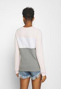 Hollister Co. - FASHION CREW - Sweatshirt - pink/white/grey - 2