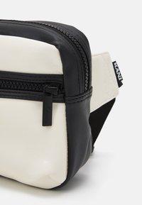 Karl Kani - SIGNATURE BLOCK WAIST BAG - Bum bag - black - 3