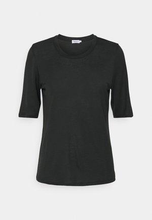 ELENA TEE - Jednoduché triko - dark spruce