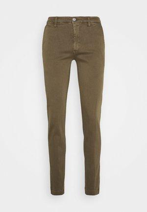 ZEUMAR HYPERFLEX  - Trousers - deep mud