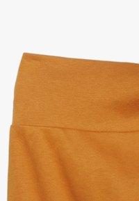 Sense Organics - SJORS BABY PANT 3 PACK - Pantalon classique - mustard/navy/grey melange - 5