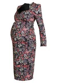 Hope & Ivy Maternity - SWEETHEART NECKLINE LONGSLEEVE MIDI DRESS - Koktejlové šaty/ šaty na párty - red/black - 3