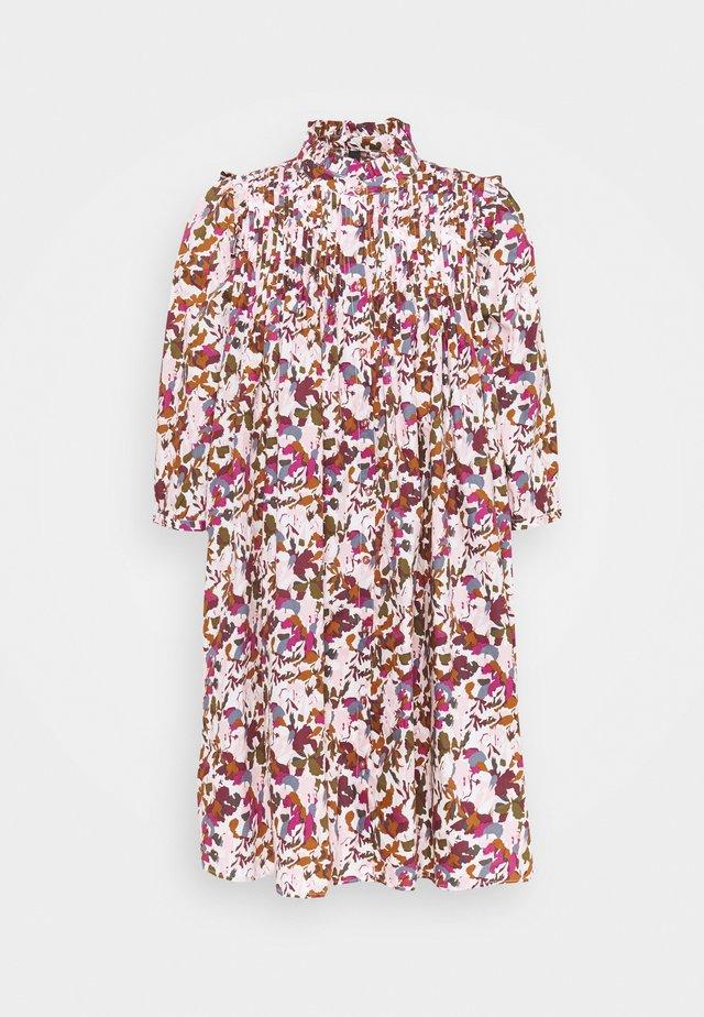 YASASPEN DRESS - Shirt dress - eggnog/aspen
