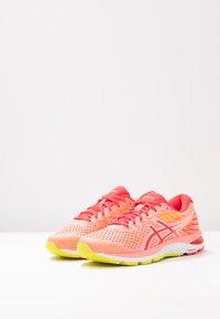 ASICS - GEL-CUMULUS 21 - Zapatillas de running neutras - sun coral/laser pink - 2
