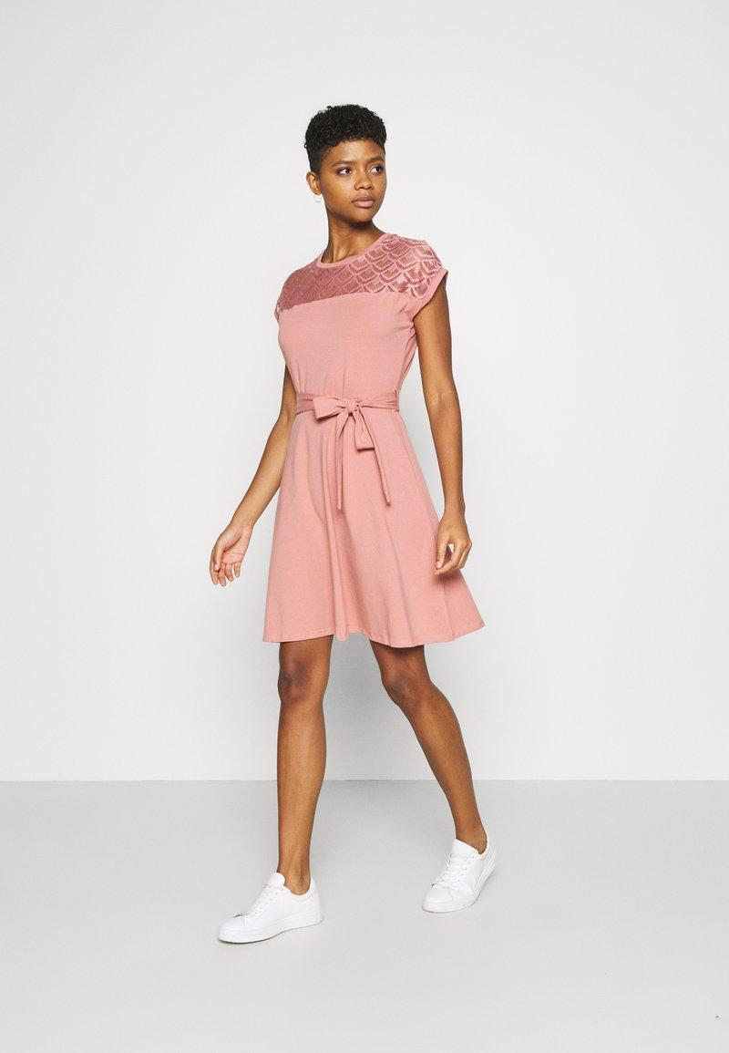 ONLY - ONLBILLA DRESS - Jersey dress - old rose
