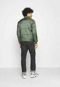 Calvin Klein Jeans - QUILTED LINER JACKET - Bomber Jacket - duck green - 2