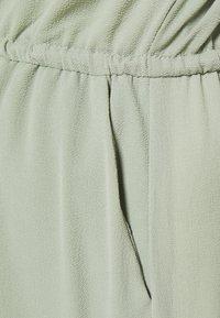Vero Moda Petite - VMSASHA BALI SHORT DRESS PETITE - Korte jurk - desert sage - 2
