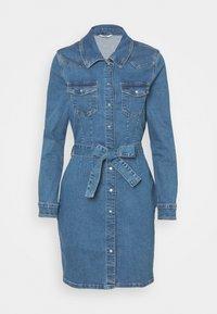 ONLY - ONLCOLUMBIA LIFE DRESS - Denim dress - medium blue denim - 4