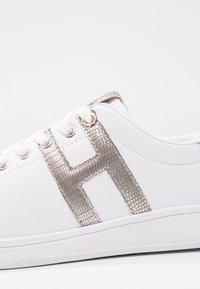 H.I.S - Tenisky - white/silver - 2