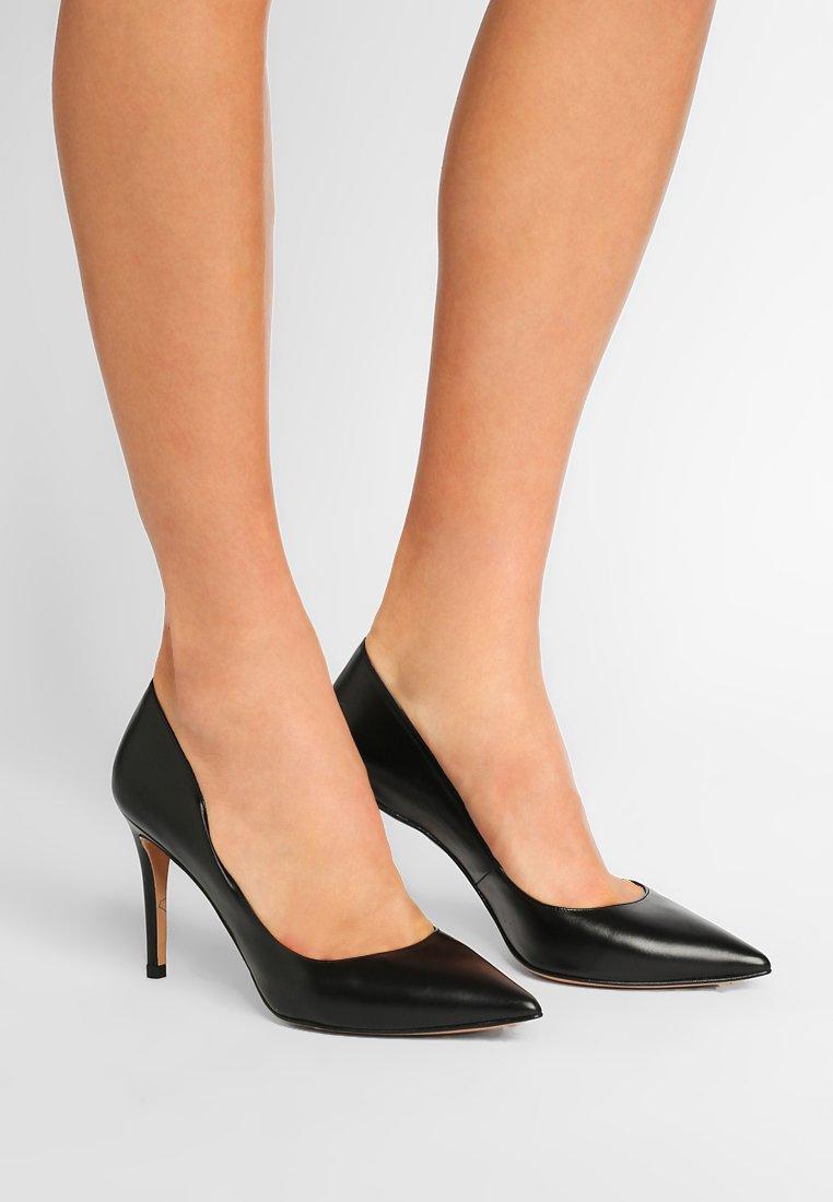 Sammlungen Schuhe für Damen FSOGFJY299Skuk Pura Lopez High Heel Pumps black