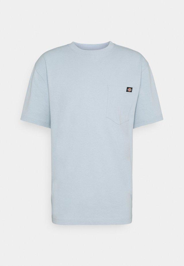 PORTERDALE POCKET TEE - Basic T-shirt - fog blue