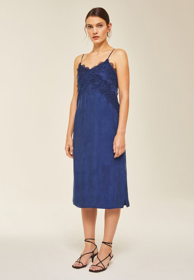 Day dress - indigo