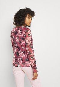 Vila - VIFALIA V-NECK BLOUSE - Camicetta - pink rose flower - 2
