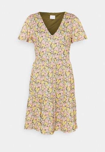 VINATALIE SHORT DRESS - Žerzejové šaty - dark olive