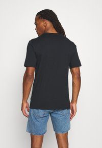 Converse - AROUND THE WORLD TEE - T-shirt con stampa - black - 2