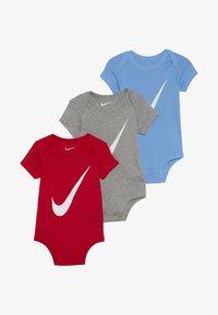 Nike Sportswear - BABY 3 PACK - Dárky pro nejmenší - university red - 3