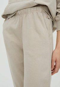 PULL&BEAR - Teplákové kalhoty - beige - 3