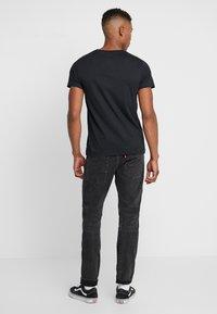 Levi's® - LEVI'S® X STAR WARS GRAPHIC - T-shirt imprimé - black - 2