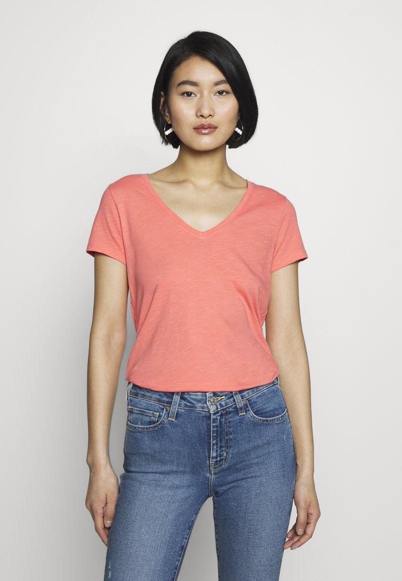 Mos Mosh - ARDEN V NECK TEE - Basic T-shirt - sugar coral