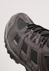Jack Wolfskin - VOJO HIKE 2 TEXAPORE MID - Hiking shoes - dark steel/black - 5