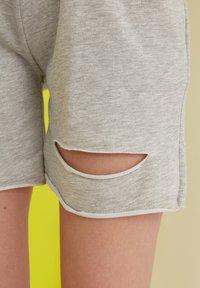Trendyol - Shorts - grey - 3