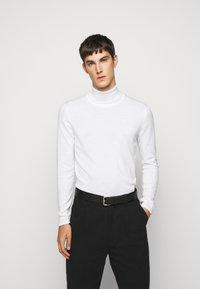 J.LINDEBERG - LYD - Stickad tröja - cloud white - 0