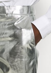 OppoSuits - SHINY SET - Suit - silver - 5