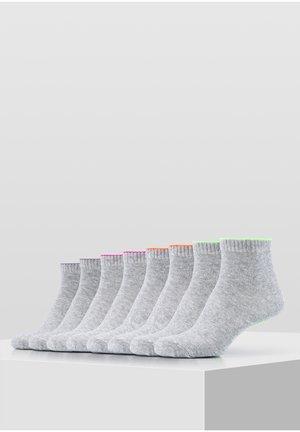 8 Pack - Socks - fog