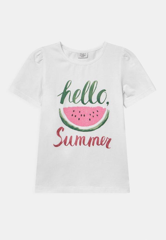 ADANE - T-shirt imprimé - white