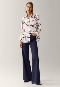 Massimo Dutti - MIT KETTENPRINT  - Button-down blouse - white