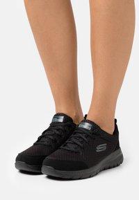 Skechers Sport - BOUNTIFUL - Zapatillas - black - 0