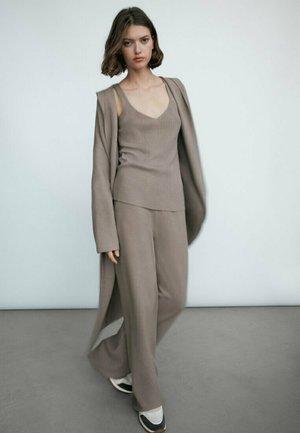 MIT SAUM  - Pantalon classique - grey