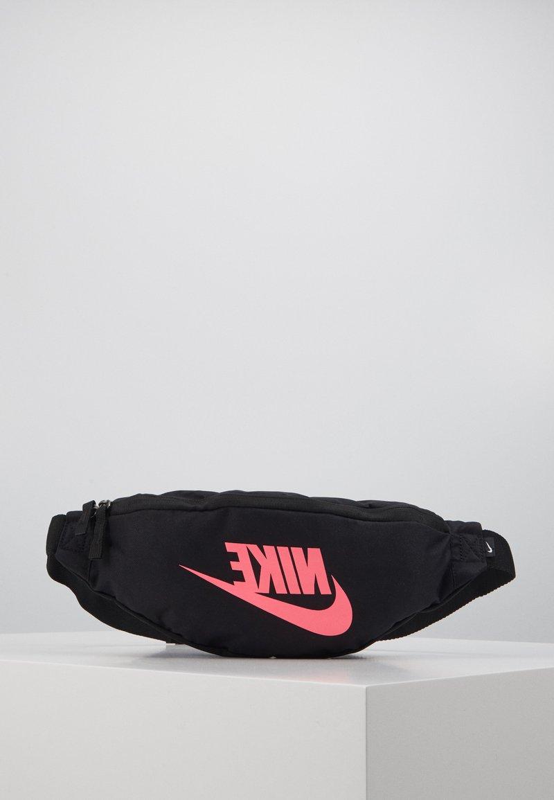 Nike Sportswear - HERITAGE HIP PACK  - Bum bag - black/digital pink