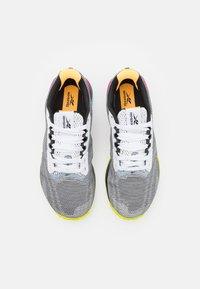 Reebok - NANO X1 GRIT FLOATRIDE ENERGY FOAM TRAINING WORKOUT - Zapatillas de entrenamiento - footwear white/core black/pursuit pink - 3
