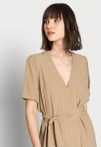 Selected Femme - SLFREBEKKA-DYNELLA DRESS - Maxi dress - kelp - 3
