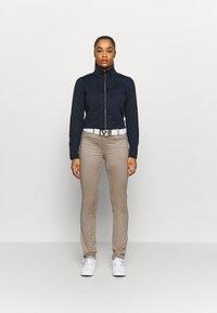 Cross Sportswear - WOMENS TECH FULL ZIP - Fleecejas - navy - 1