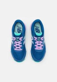 New Balance - 680 LACES UNISEX - Neutrální běžecké boty - blue - 3