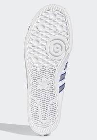 adidas Originals - NIZZA  - Scarpe skate - white - 5