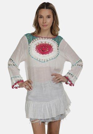 IZIA TUNIKAKLEID - Denní šaty - wollweiss