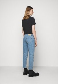 Won Hundred - BEN - Relaxed fit jeans - light dessert blue - 2